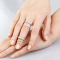 Супер модные кольца, одевающиеся сразу на две фаланги и соединенные цепочками. В серебре и золоте.
