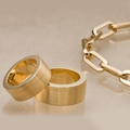 Четкие геометрические формы, желтое золото, 750.