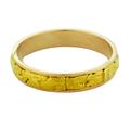 Мы перелагаем широкий ассортимент и размерный ряд золотых обручальных колец с самородками золота.